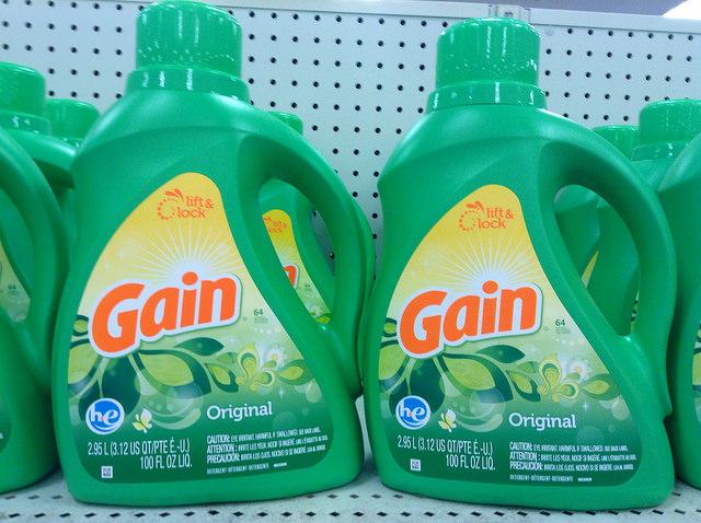 Powder Detergent vs Liquid Detergent