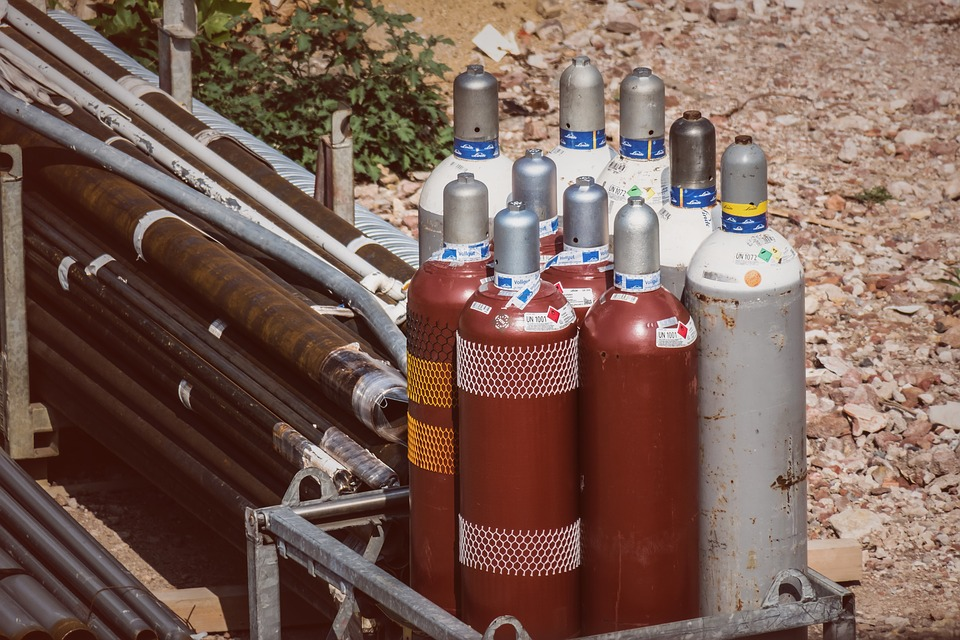 Difference Between Compressed Air and CO2