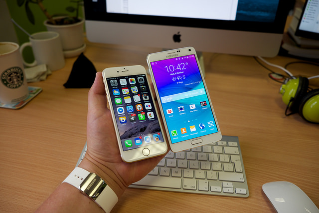 what is the difference between iphone and samsung galaxy
