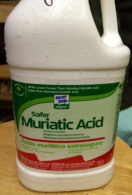 Difference Between Muriatic Acid and Hydrochloric Acid