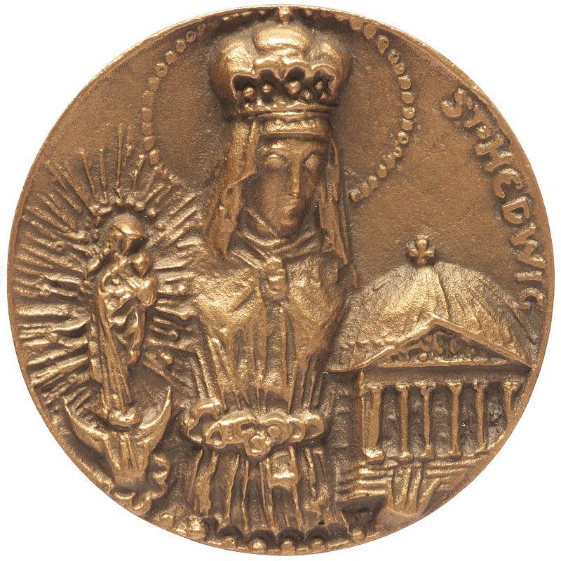 Key Difference - Copper vs Bronze