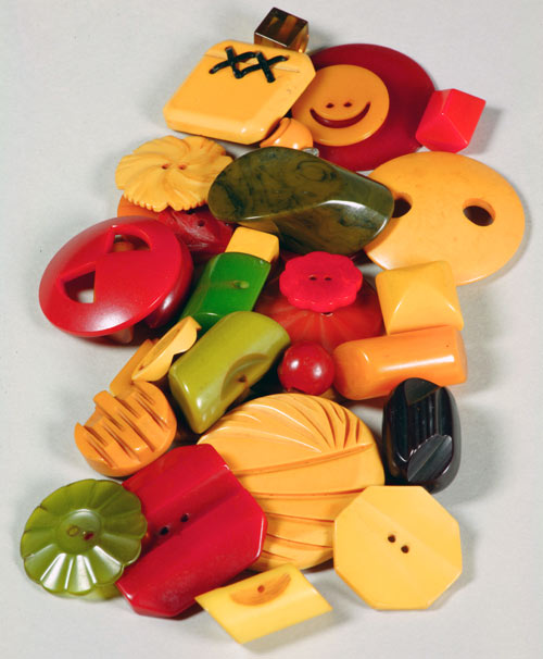 Difference Between Bakelite and Plastic