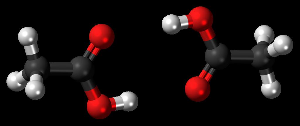Key Difference - Ethanol vs Ethanoic Acid