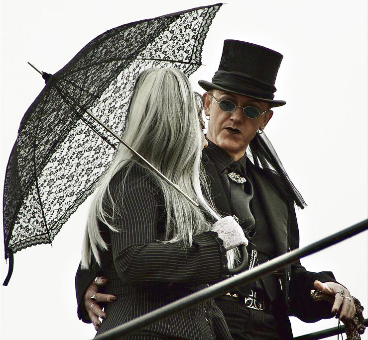 Punk vs Goth vs Scene