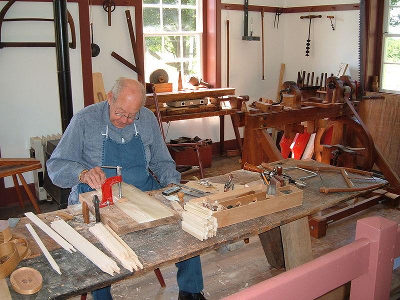 Key Difference - Artisan vs Craftsman