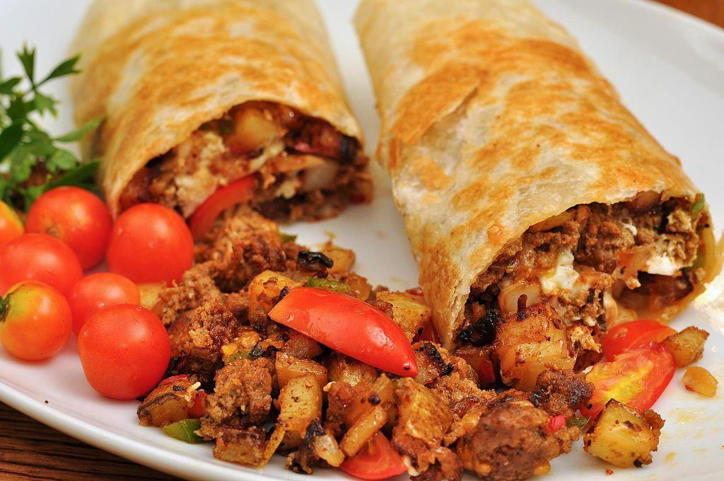 Difference Between Burrito Chimichanga Enchilada Fajita and Taco