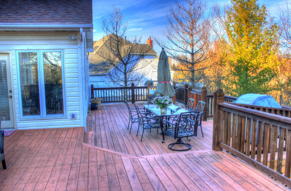 Key Difference - Deck Porch vs Patio
