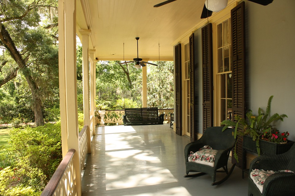 Difference Between Deck Porch and Patio - 2