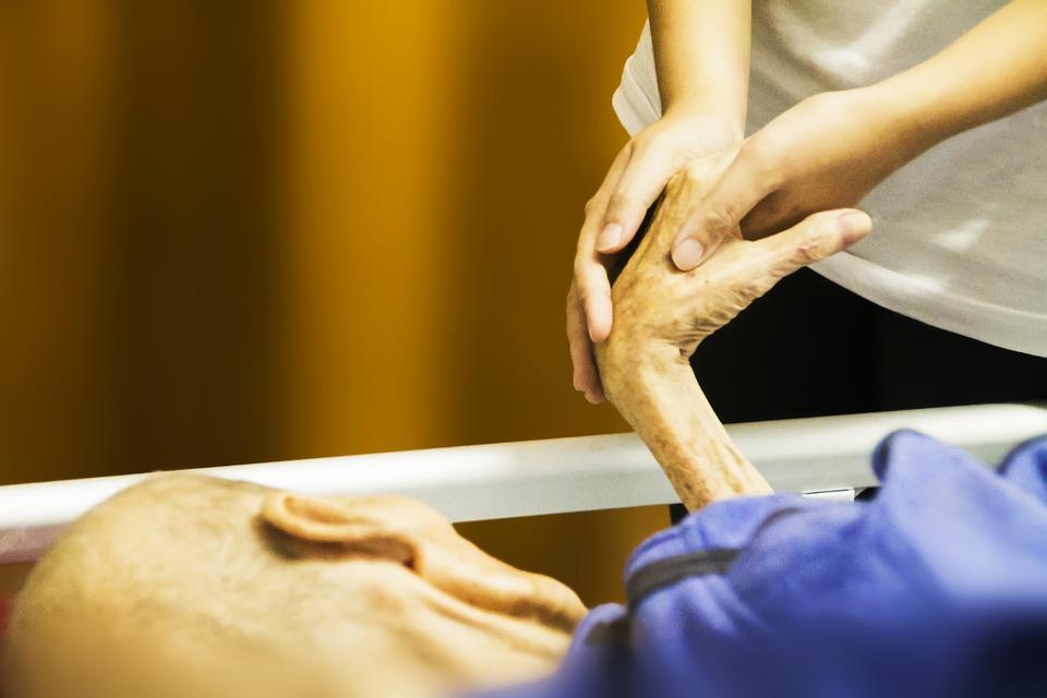 Key Difference - Hospice vs Nursing Home