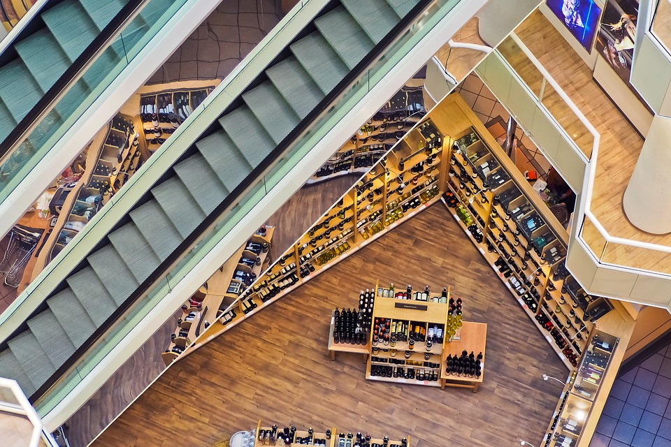 Key Difference - Departmental Store vs Supermarket
