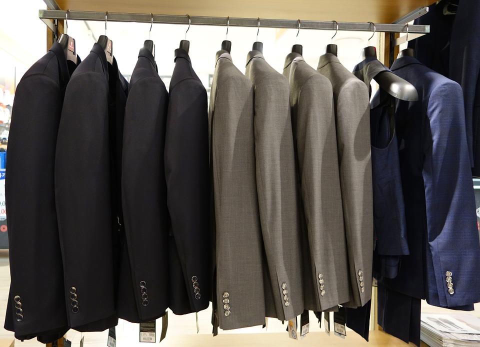 Key Difference - Jackets vs Coats