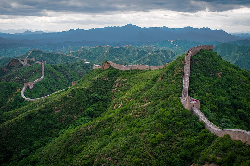 Difference Between Chinese Wall and Mexico Wall