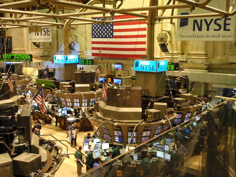 Difference Between Commodity Exchange and Stock Exchange