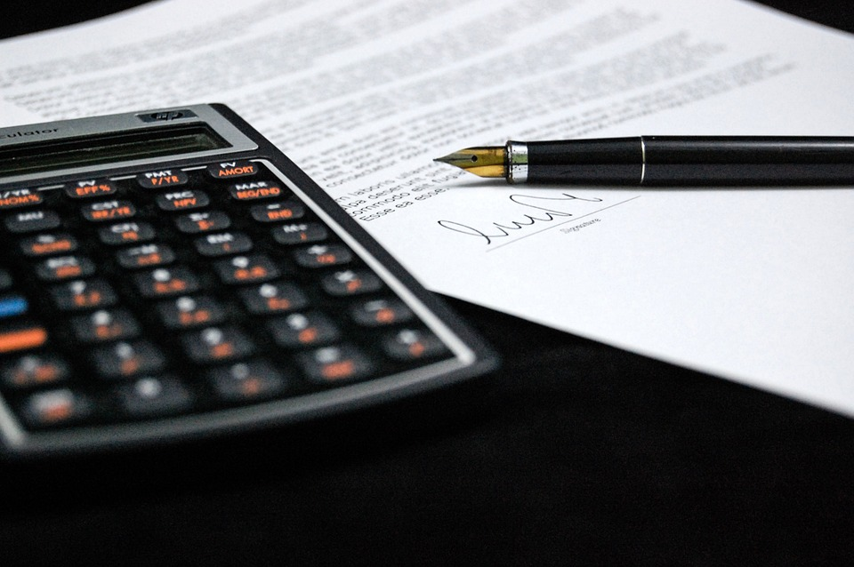 Difference Between Discretionary and Committed Fixed Costs