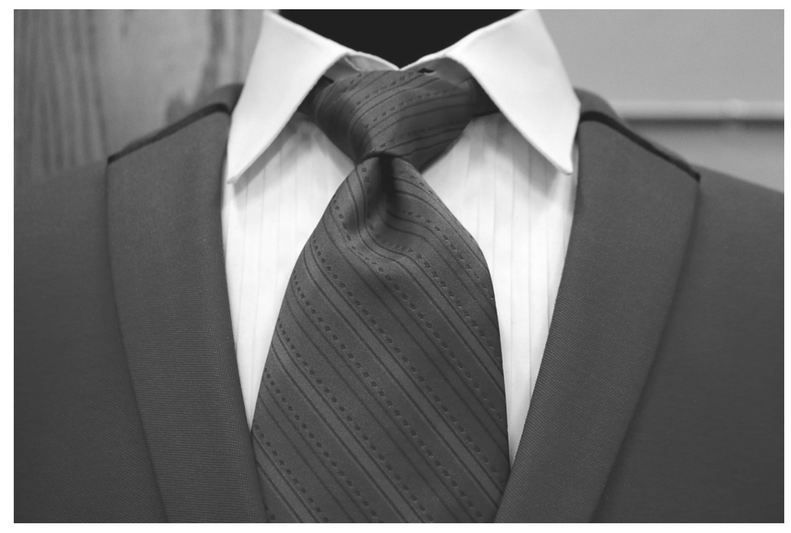Key Difference - Point Collar vs Spread Collar