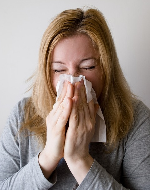 Key Difference - Pneumonia vs Walking Pneumonia