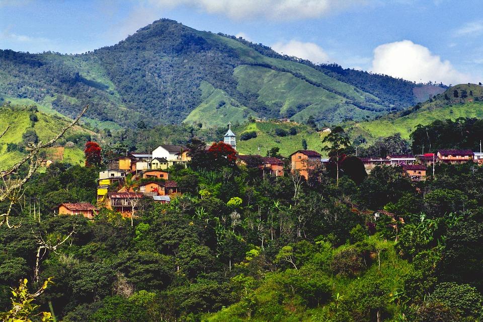 Key Difference Between Peru and Ecuador