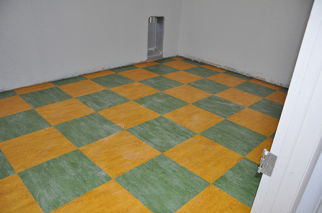 Key Difference Between Linoleum and Marmoleum