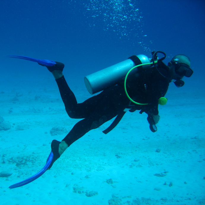 Key Difference Between Snorkeling and Scuba Diving
