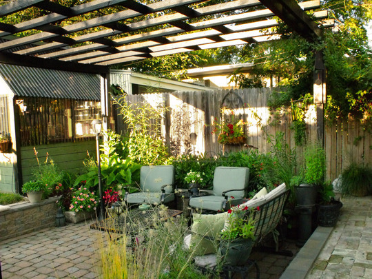 Difference Between Pergola and Verandah