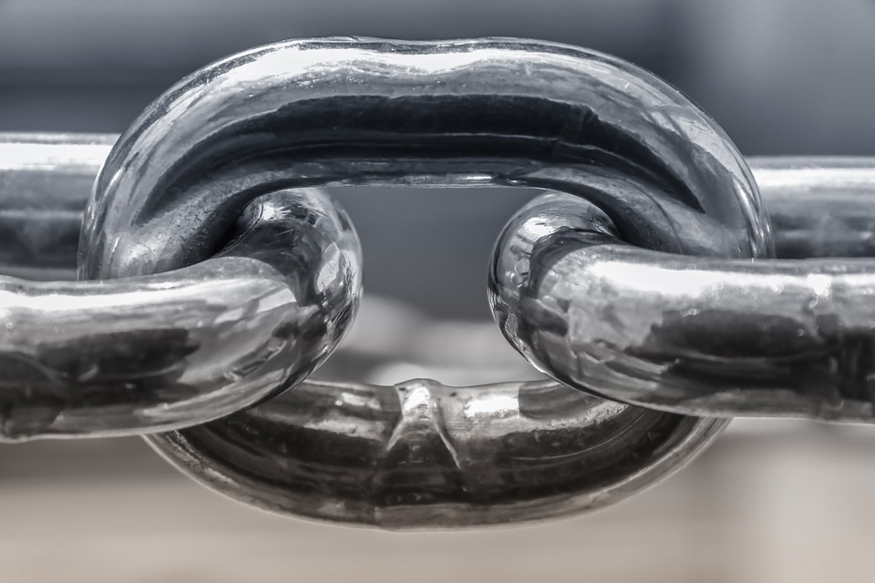 Key Difference - Low Alloy Steel vs High Alloy Steel