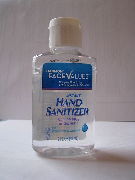 Difference Between Rubbing Alcohol and Hand Sanitizer