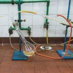 Difference Between Steam Distillation and Hydrodistillation