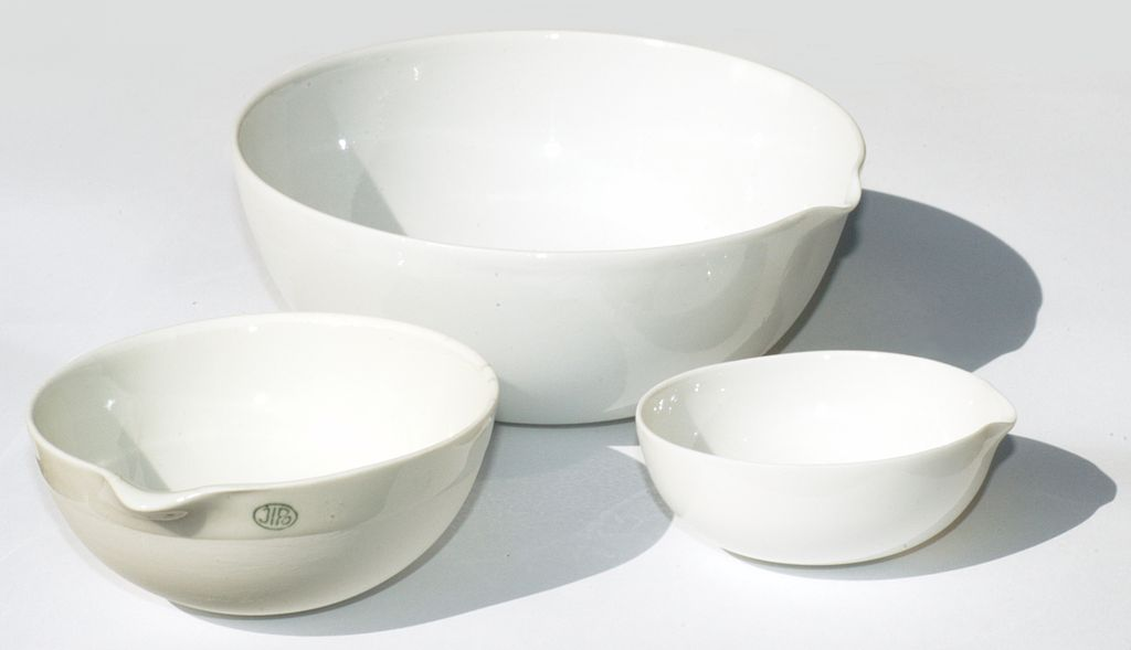 Difference Between Crucible and Evaporating Dish